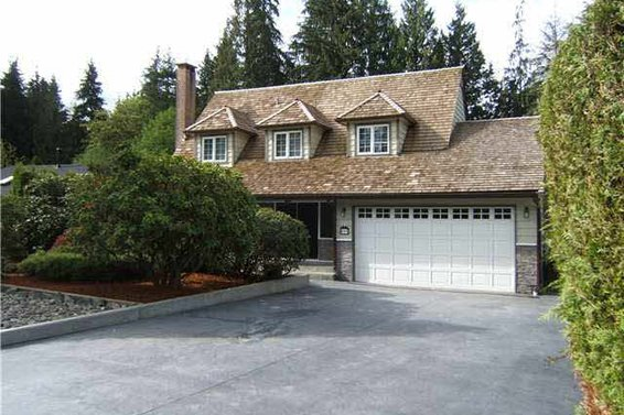 895 Strathaven Drive, North Vancouver