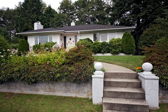 3894 Sunnycrest Drive, North Vancouver
