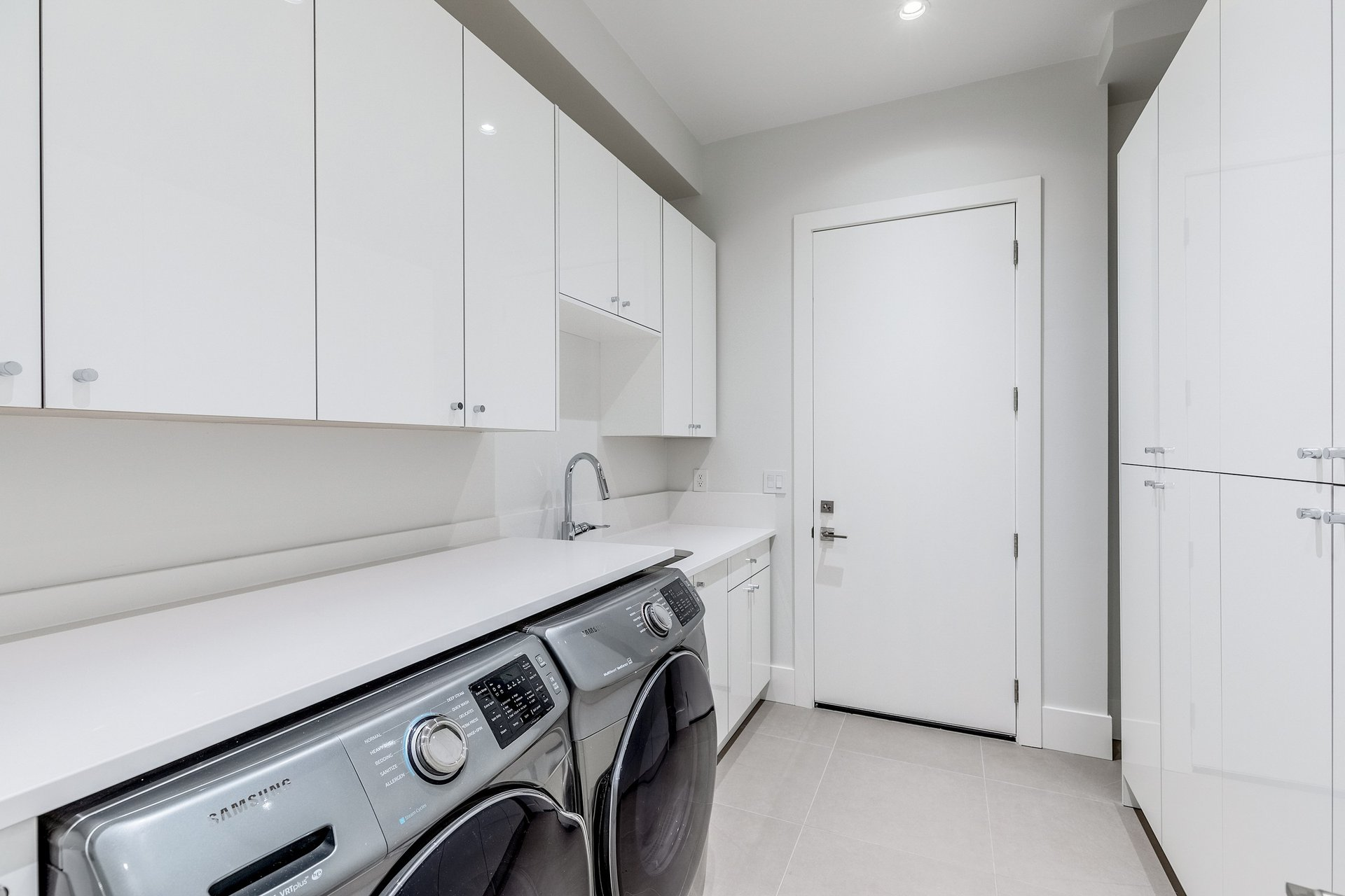 Laundry Room - 528 East 11th Street, North Vancouver