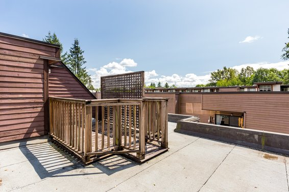 roof top deck 5 - 3309 Mountain Highway, North Vancouver