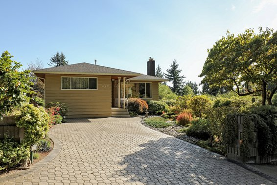 439 East 19th Street, North Vancouver