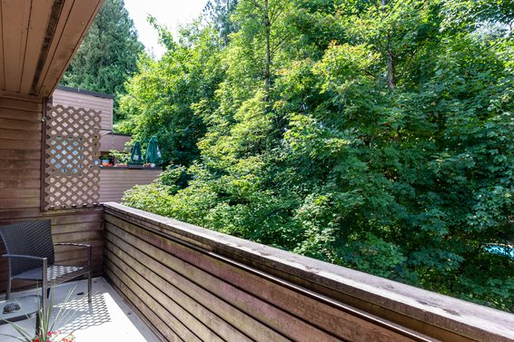 Deck - 3309 Mountain Highway, North Vancouver