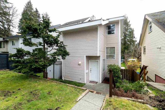 239 West 22nd Street, North Vancouver
