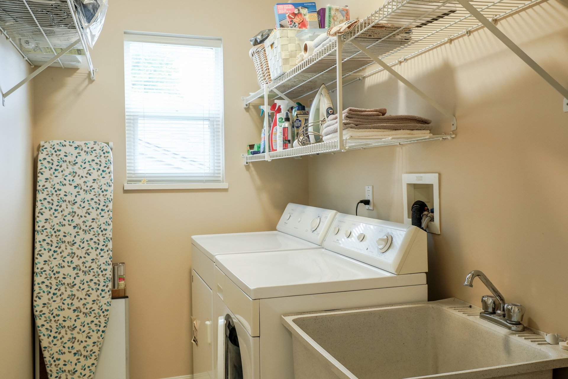 Laundry Room - 453 East 16th Street, North Vancouver