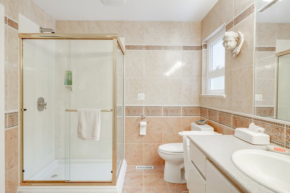 Master Ensuite - 4775 Tourney Road, North Vancouver