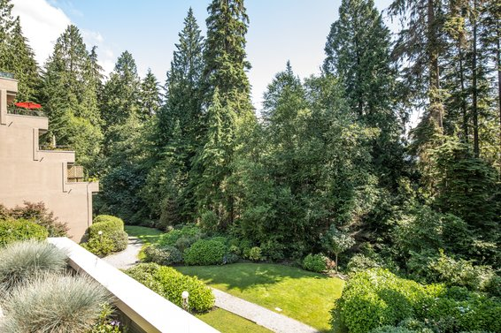 304-1500 Ostler Court, North Vancouver -  outlook