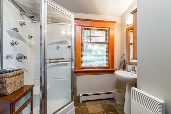 Master Ensuite - 3096 Fromme Road, North Vancouver