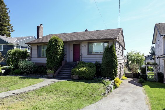 459 East 16th Street, North Vancouver
