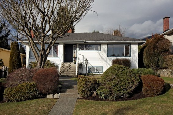 432 West 27th Street, North Vancouver