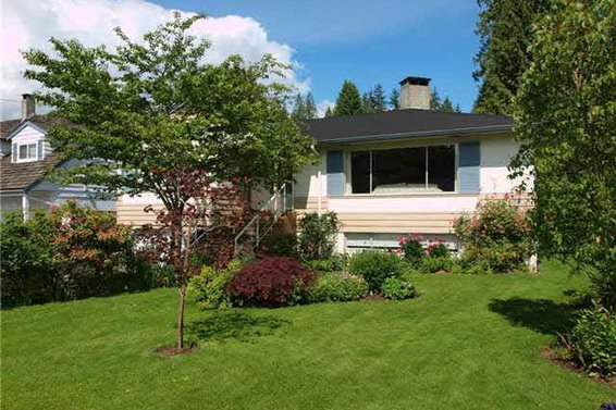 2792 Hoskins Road, North Vancouver