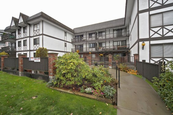206-145 West 18th Street, North Vancouver