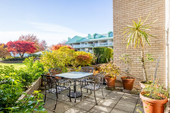 2105 33 Chesterfield Place, North Vancouver