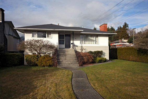 362 East 17th Street, North Vancouver