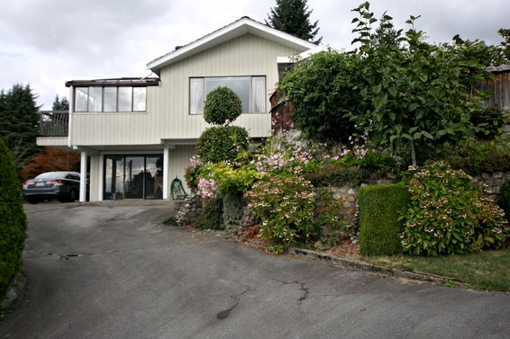 300 West Balmoral Road, North Vancouver