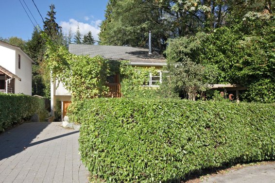 4320 Cliffmont Road, North Vancouver