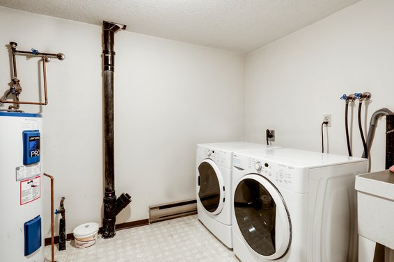 Laundry Room - 111-1910 Chesterfield Avenue, North Vancouver