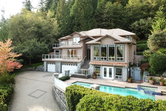 front - 998 Dempsey Road, North Vancouver