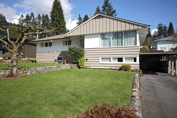 3852 Norwood Avenue, North Vancouver