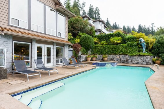 Pool - 998 Dempsey Road, North Vancouver