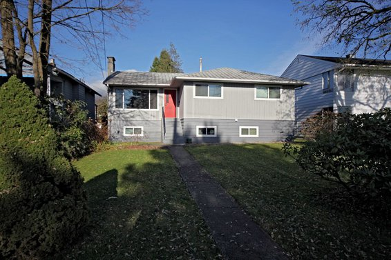 438 East 15th Street, North Vancouver