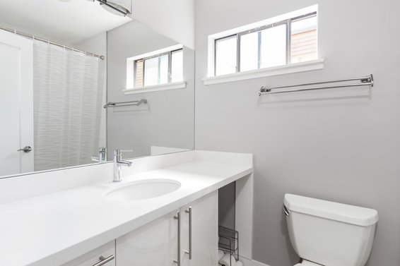 Master Ensuite - 3309 Mountain Highway, North Vancouver
