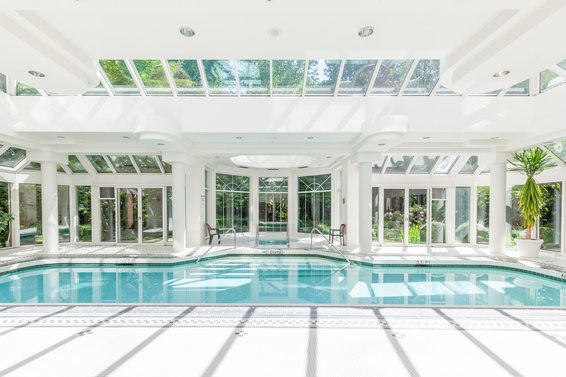 Indoor pool - 904-1327 East Keith Road, North Vancouver