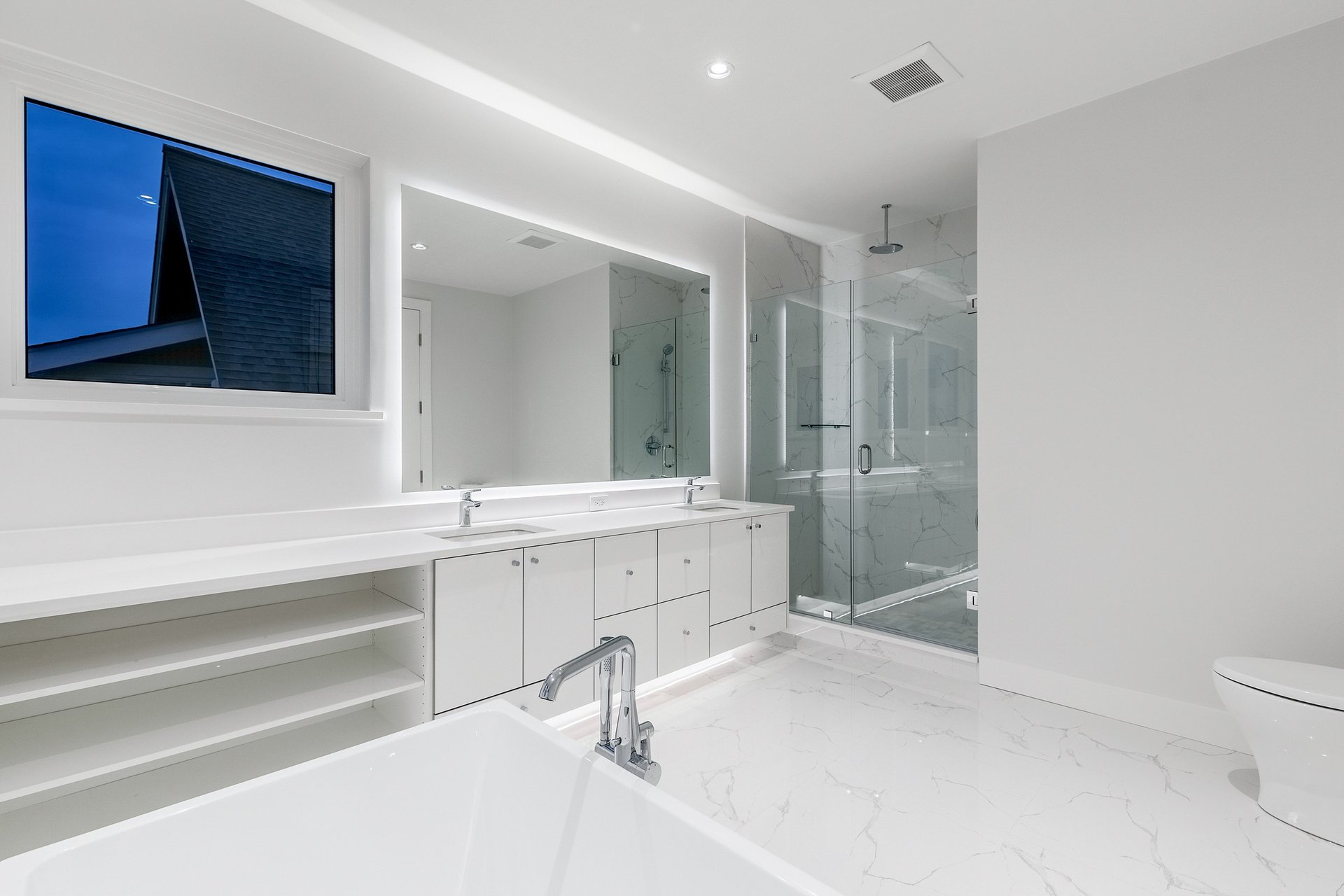 Master Ensuite - 528 East 11th Street, North Vancouver