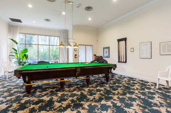 Billiards room - 904-1327 East Keith Road, North Vancouver