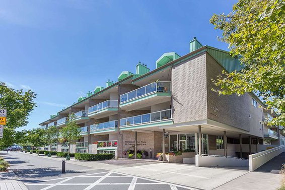 1104-33 Chesterfield Avenue, North Vancouver
