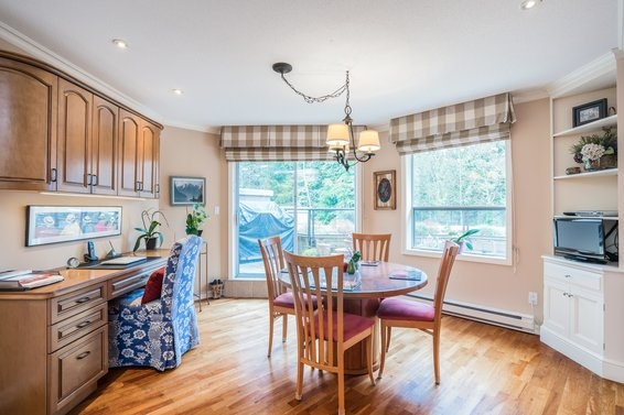 304-1500 Ostler Court, North Vancouver -  eating area