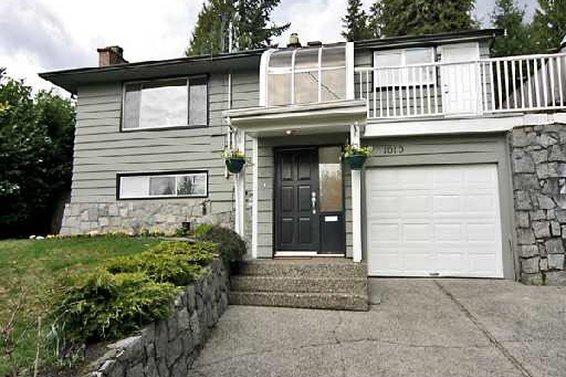 1010 Clements Avenue, North Vancouver