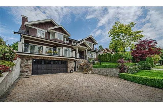 4104 Highland Place, North Vancouver