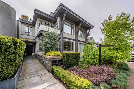 200 2432 Haywood Avenue, West Vancouver