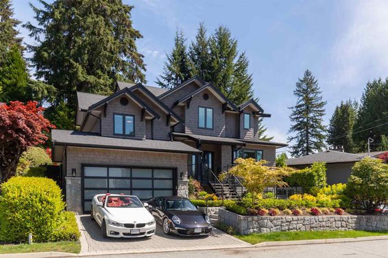 4664 Highland Boulevard, North Vancouver