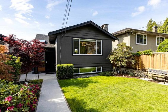 1131 Wellington Drive, North Vancouver