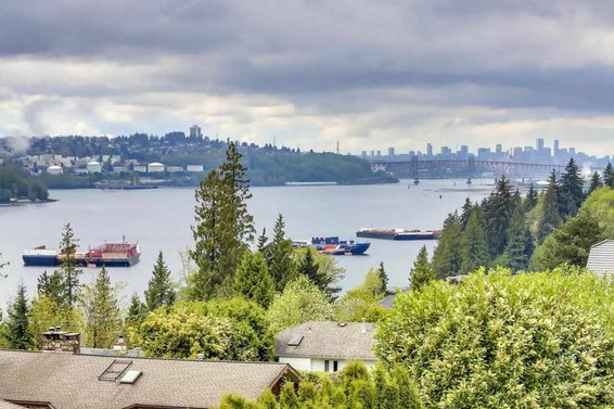 4113 Fairway Place, North Vancouver