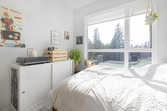 318 3220 Connaught Crescent, North Vancouver