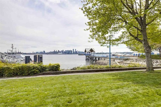 4102 33 Chesterfield Place, North Vancouver