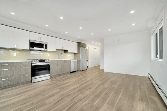 208 857 W 15Th Street, North Vancouver