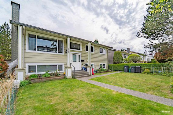 885 E 14Th Street, North Vancouver