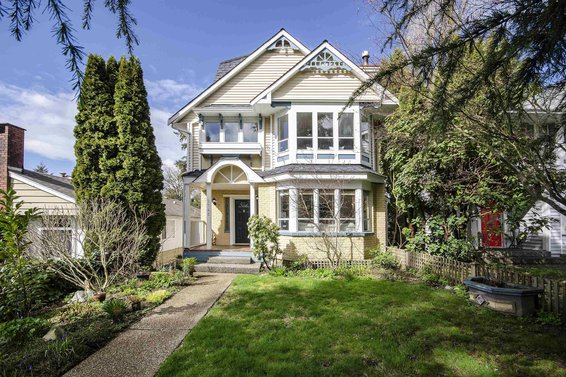2745 Eastern Avenue, North Vancouver