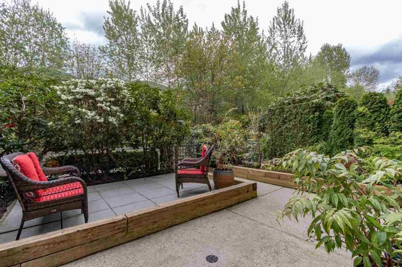 206 3600 Windcrest Drive, North Vancouver