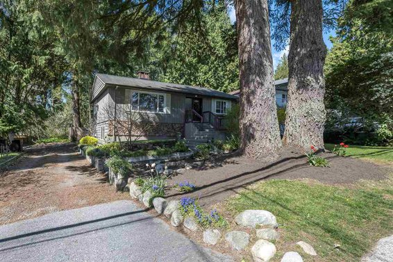 4251 Hoskins Road, North Vancouver