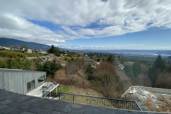1328 Crestwell Road, West Vancouver