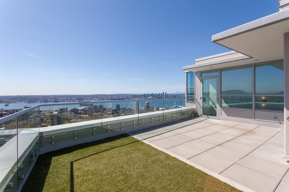 Spotlight // North Vancouver Penthouses For Sale