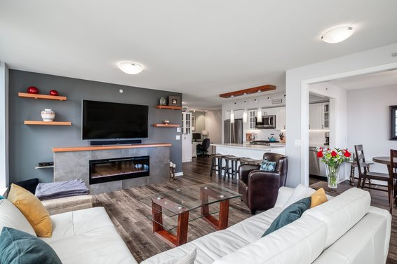 Just Listed // 608 683 W Victoria Park