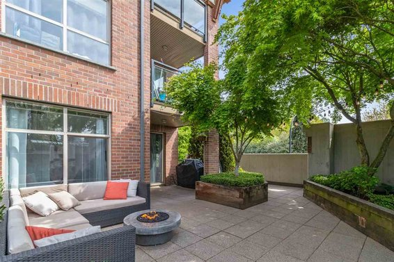 9 North Shore Condos For Sale with great patios!