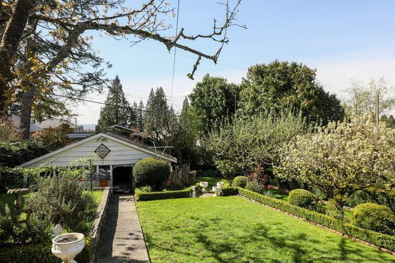 Just Listed / 329 East 27th Street Upper Lonsdale