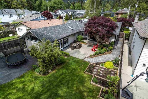 7 North Vancouver Ranchers For Sale