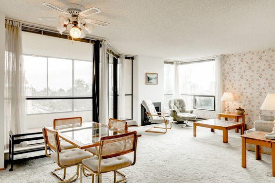 Sold // 503-505 Lonsdale Avenue